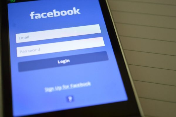 servicii facebook ads